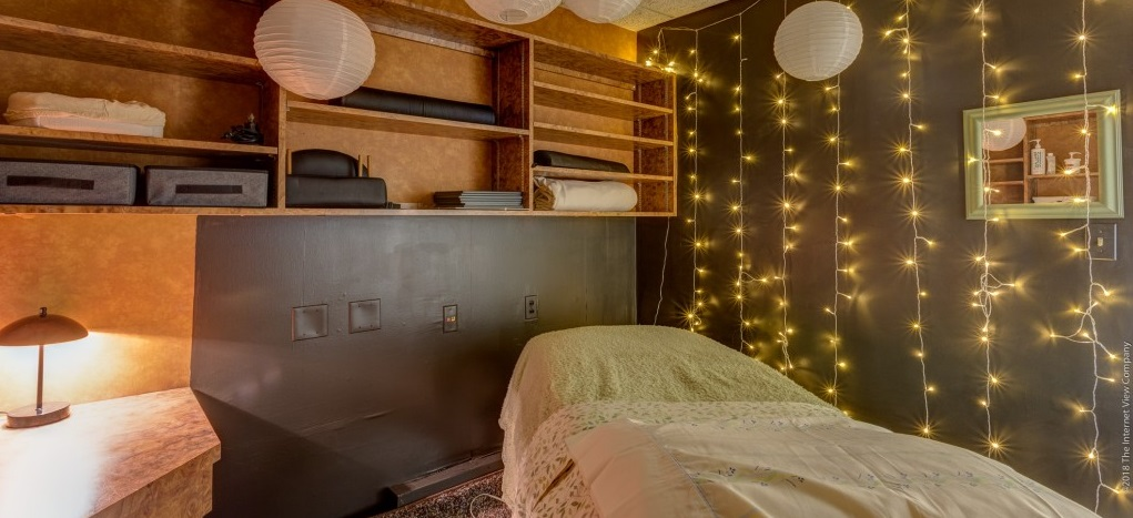 Blue Sky Yoga Massage Room Lights